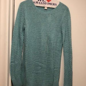 Brand new loft sweater, great transition color